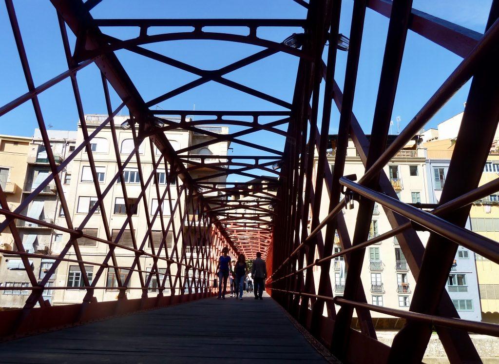 Los pequeños detalles, Girona